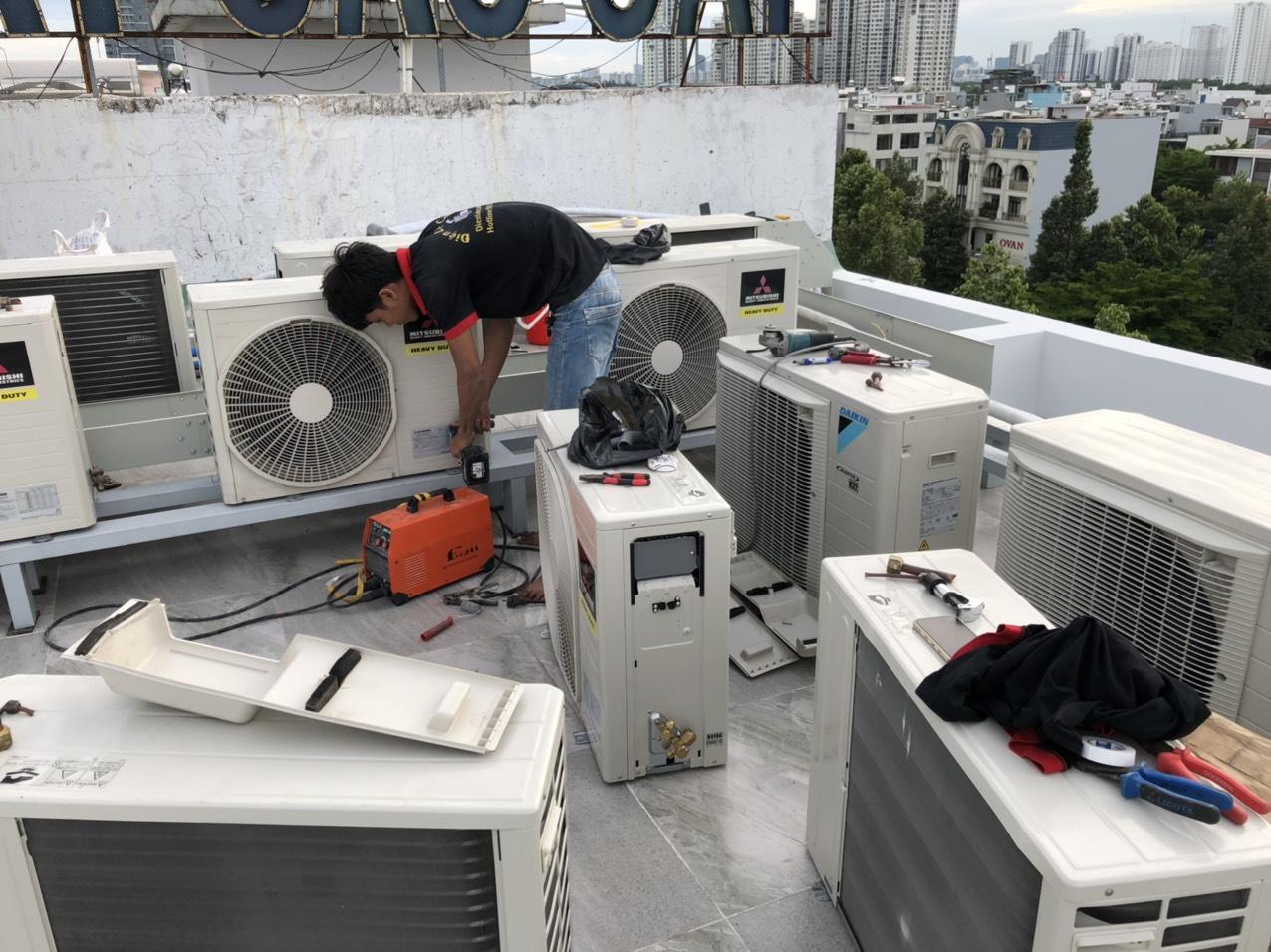  thi công máy lạnh công trình  Click and drag to move 